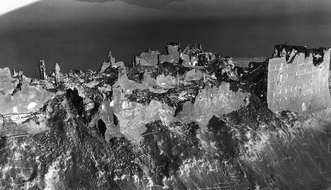 Monte Cassino: nieudolność i zbrodnia