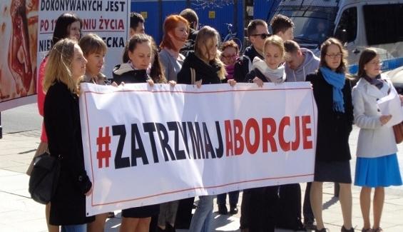 Już pół miliona Polaków wsparło inicjatywę #ZatrzymajAborcję