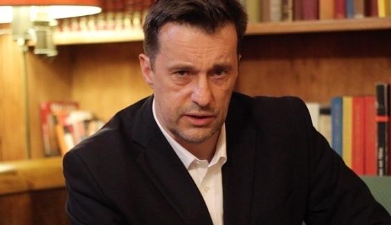 Witold Gadowski: rząd szuka alibi, aby ustąpić Brukseli w sprawie imigrantów
