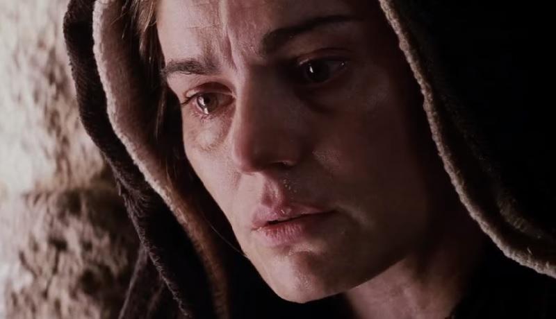"""Ta, która współcierpiała - rola Matki Bożej w """"Pasji"""" Mela Gibsona"""