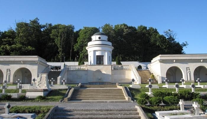Eksplozja na Cmentarzu Orląt Lwowskich. Kto stoi za antypolskimi incydentami na Ukrainie?