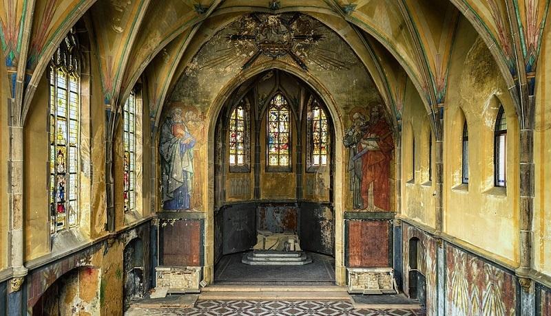 """""""Bóg już tu nie mieszka?"""" – Watykan o kościołach zamykanych z powodu braku wiernych"""