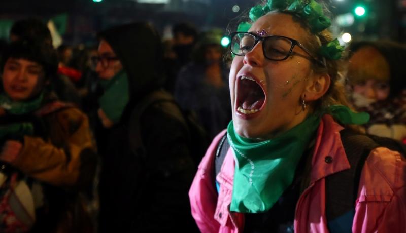 Proaborcyjni aktywiści obrzucili działaczy pro-life podpalonymi butelkami z benzyną