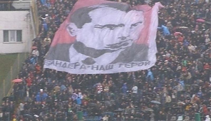 Profesor Osadczy: ukraińscy piłkarze z banderowskim hasłem. MSZ nie reaguje