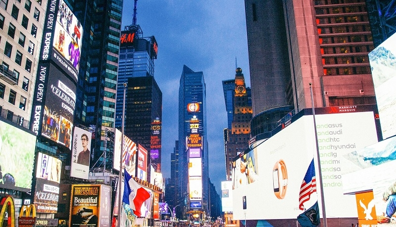 Nowy Jork: na Times Square obrońcy życia wyświetlą na żywo obraz USG nienarodzonego dziecka